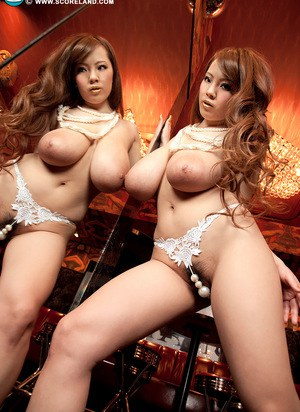 Sexy Nude Japanese Tits