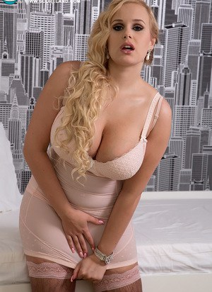 Sexy Nude Busty In Skirt