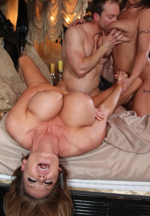 Sexy Nude Busty Groupsex