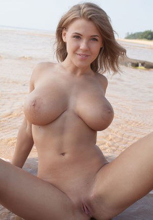 Sexy Nude Beach Boobs