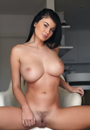 Sexy Nude Young Big Tits