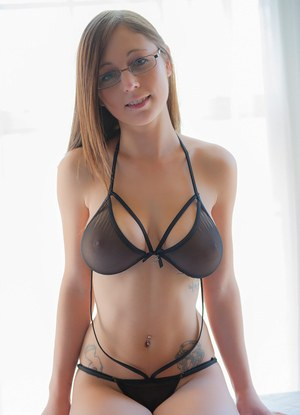 Sexy Nude Busty In Glasses