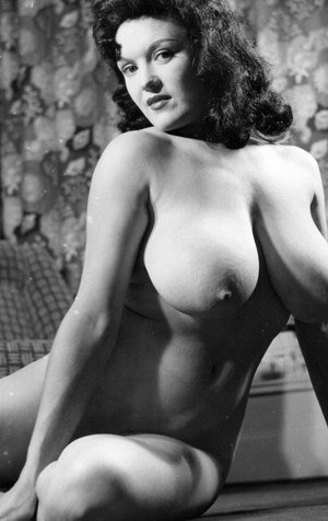 Sexy Nude Vintage Boobs