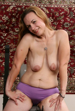 Sexy Nude Saggy Tits Pics