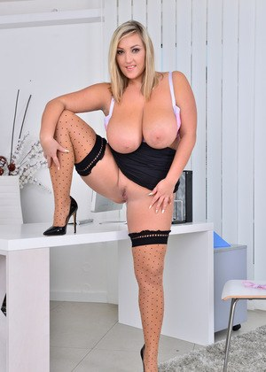 Sexy Nude Busty In Stockings