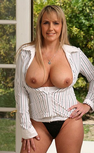 Sexy Nude Mom Boobs