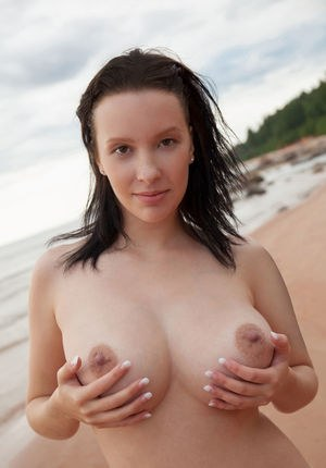 Sexy Nude Brunette Boobs