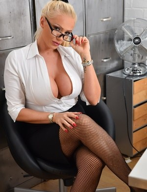 Sexy Nude Secretary Boobs