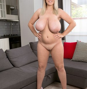 Sexy Nude BBW Boobs
